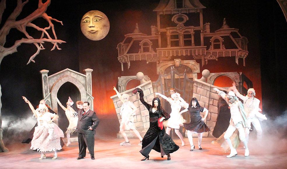 Addams Family Line Dance 2 W Set.JPG