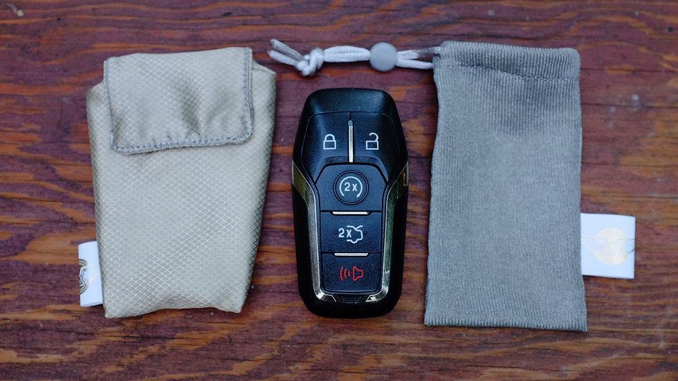 RFID Key Fob Shield / Faraday Tech Pocket Rip Stop Silver / RFID Key Fob Holder