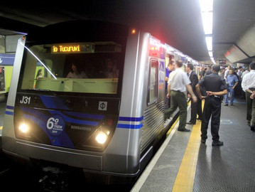 Coronel Camilo propõe metrô e trem gratuitos para Policiais Militares