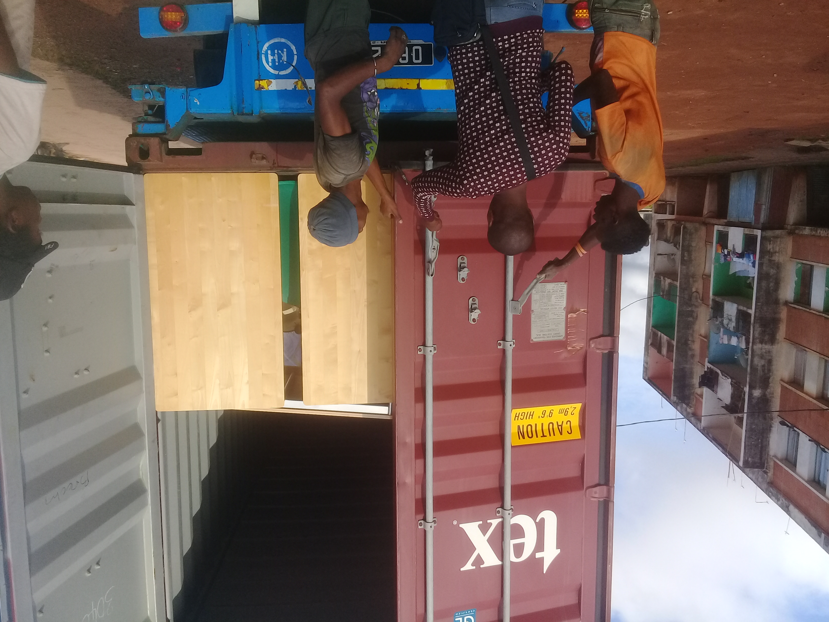 Container entladen