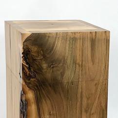Urne aus Nussbaum