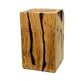 Holzurne aus Olivenholz, wie aus einem Baumstamm.