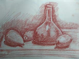 Botella y frutas