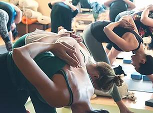 Üben Yoga.webp