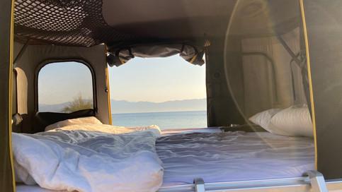 Caddy Camper Dachzelt mit Meerblick