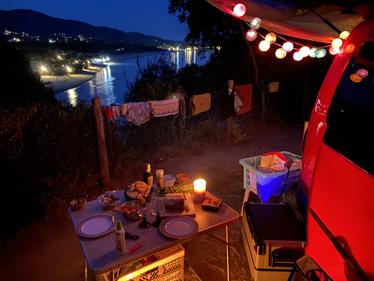 Caddy Camper Top Spot mit Meerblick auf Elba