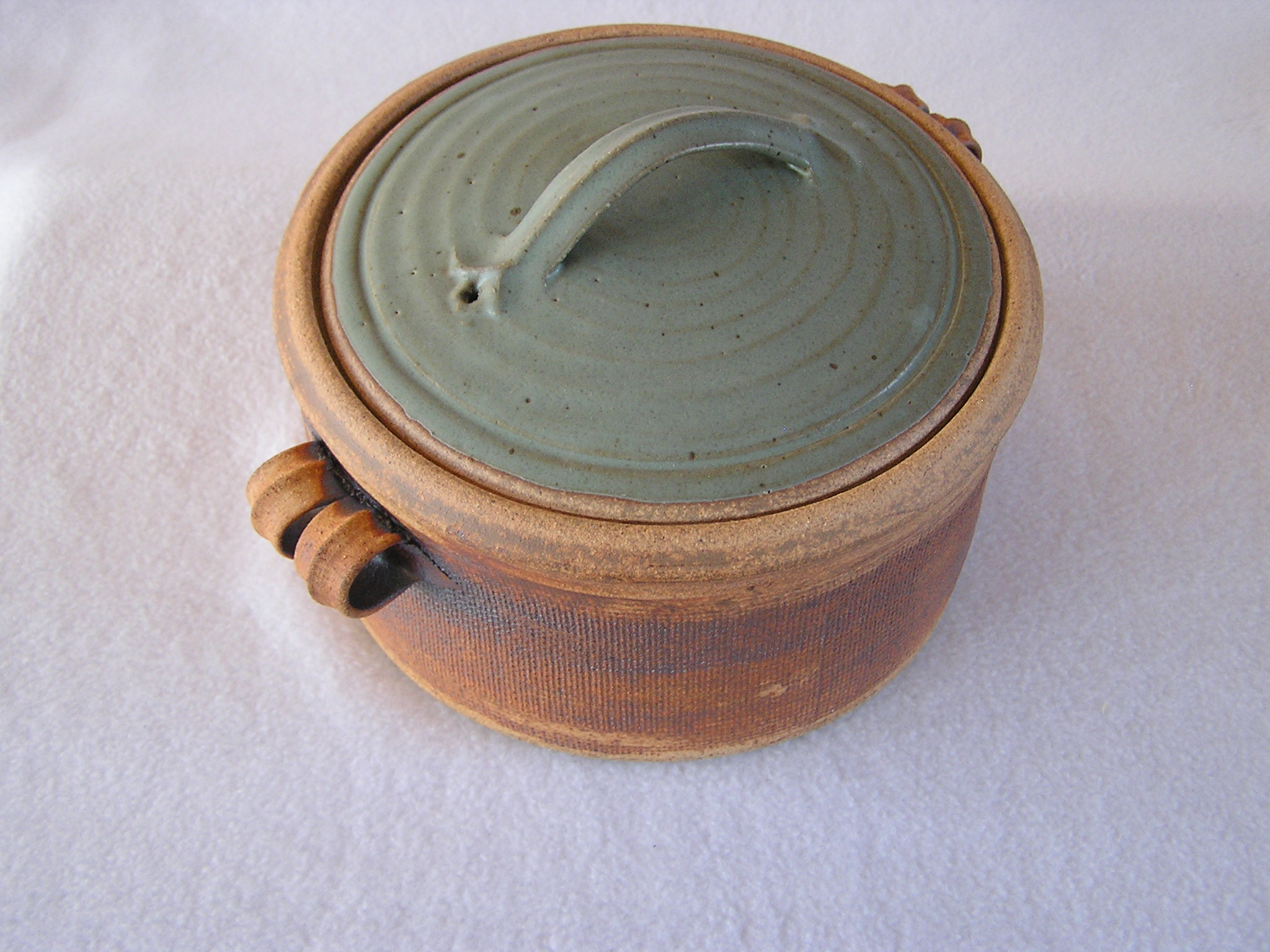 Casserole- Natural Clay and Dark Sea Foa