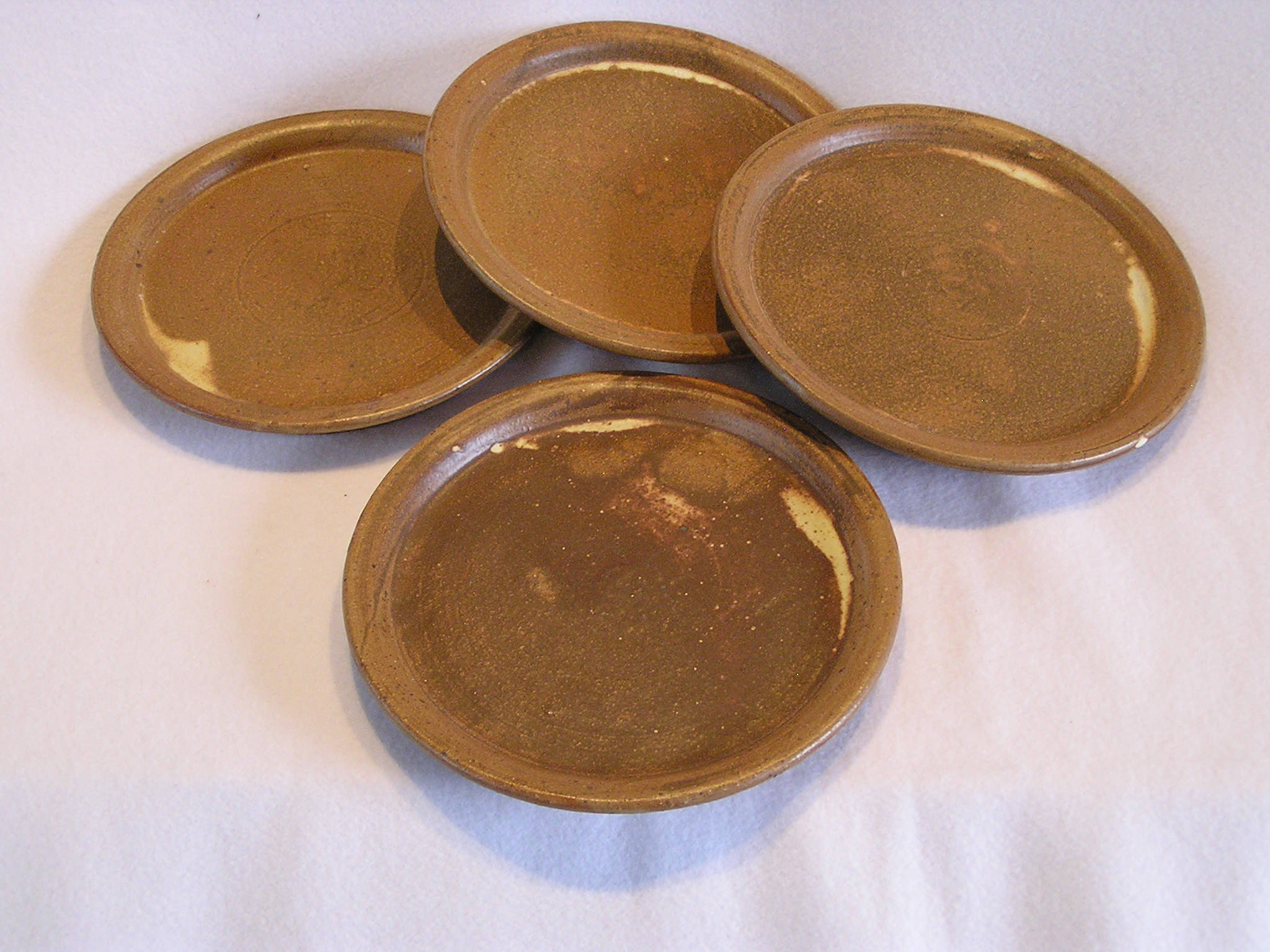Plates- Set 4 Earth Brown w Cream Highli
