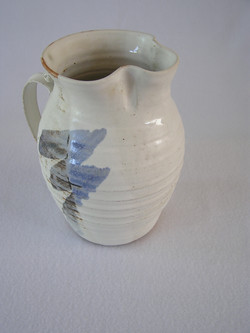 Pitcher- Pearl White w Blue Accent 8x5 i
