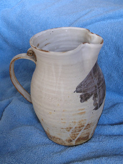 Pitcher- White w Blue Accent 9 in (NFS).