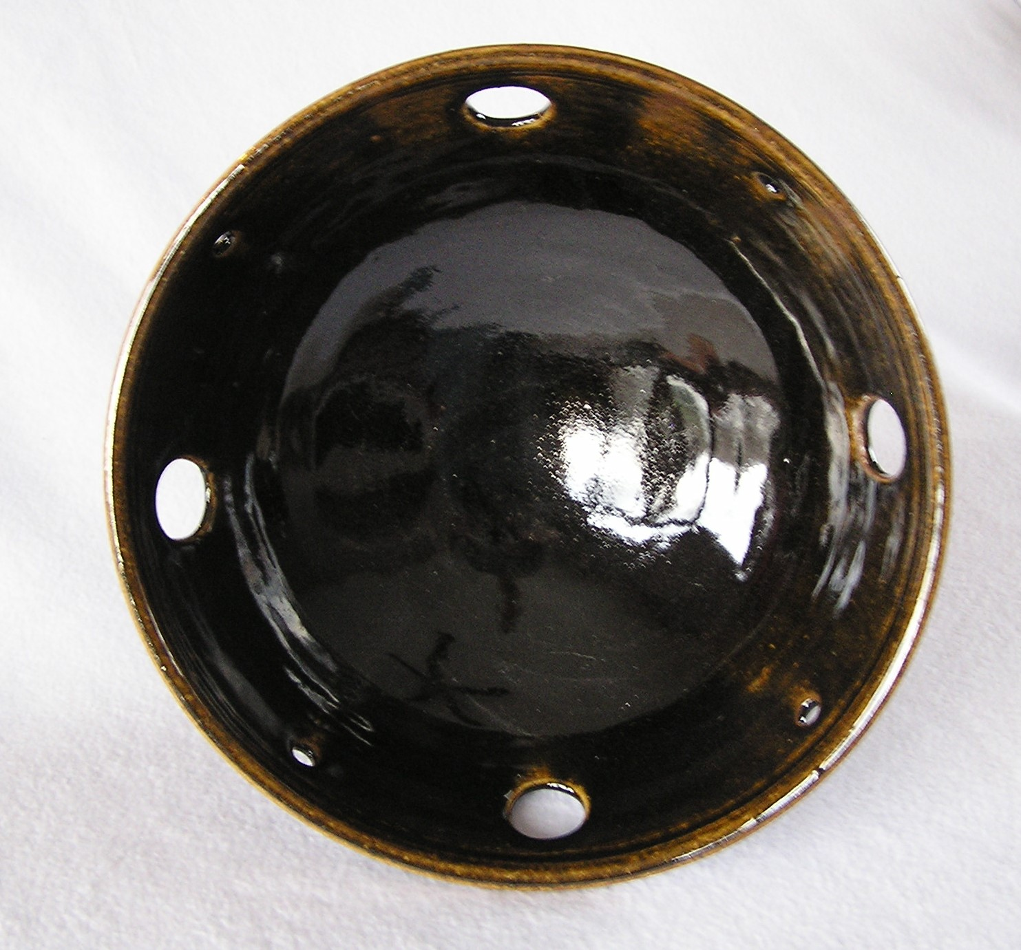 Bowl- Black w Amber Highlights 4x10 in (