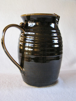 Pitcher- Black Onyx w Amber Highlight 8x