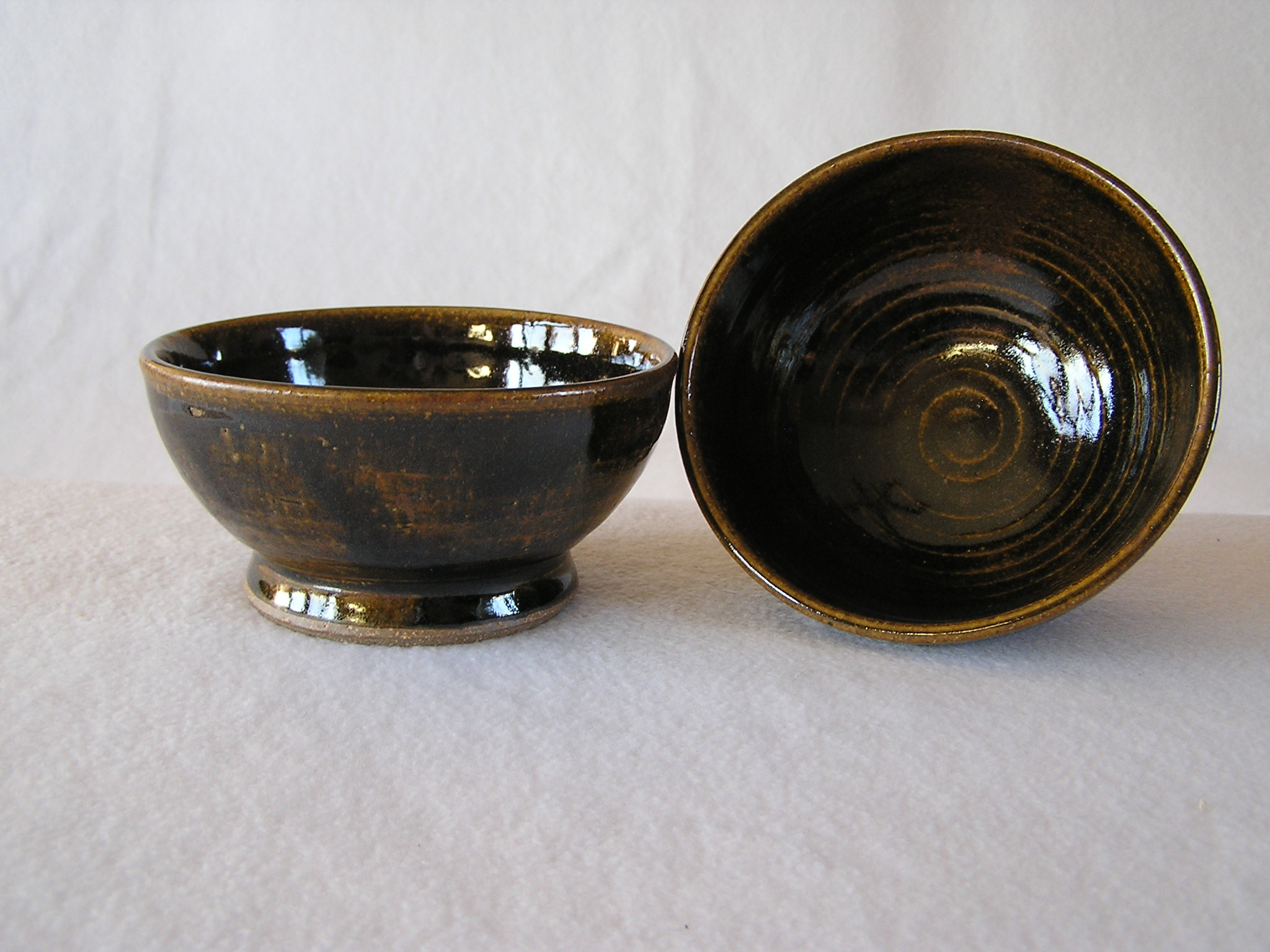 Bowl- Black w Amber Highlights 3x5