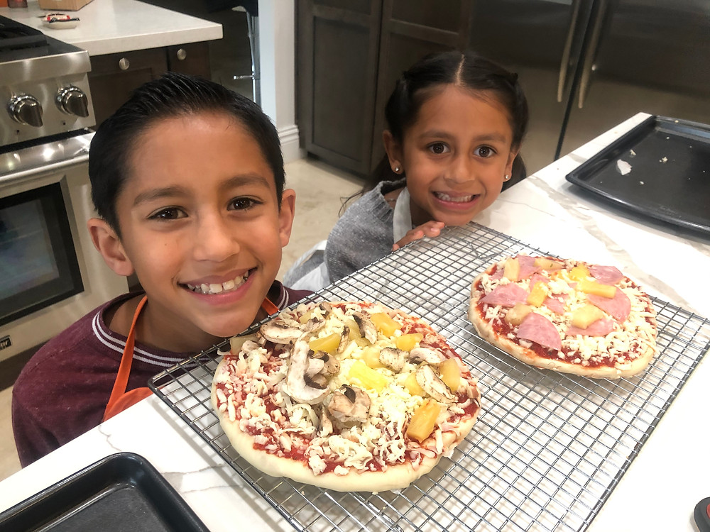 Spaghetti Eddie's Supporting Employees with Pizza Kits