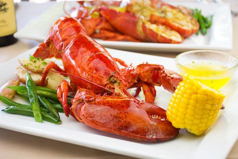 Tutti Mangia - Steamed Lobster - Lobster Dinner.jpg