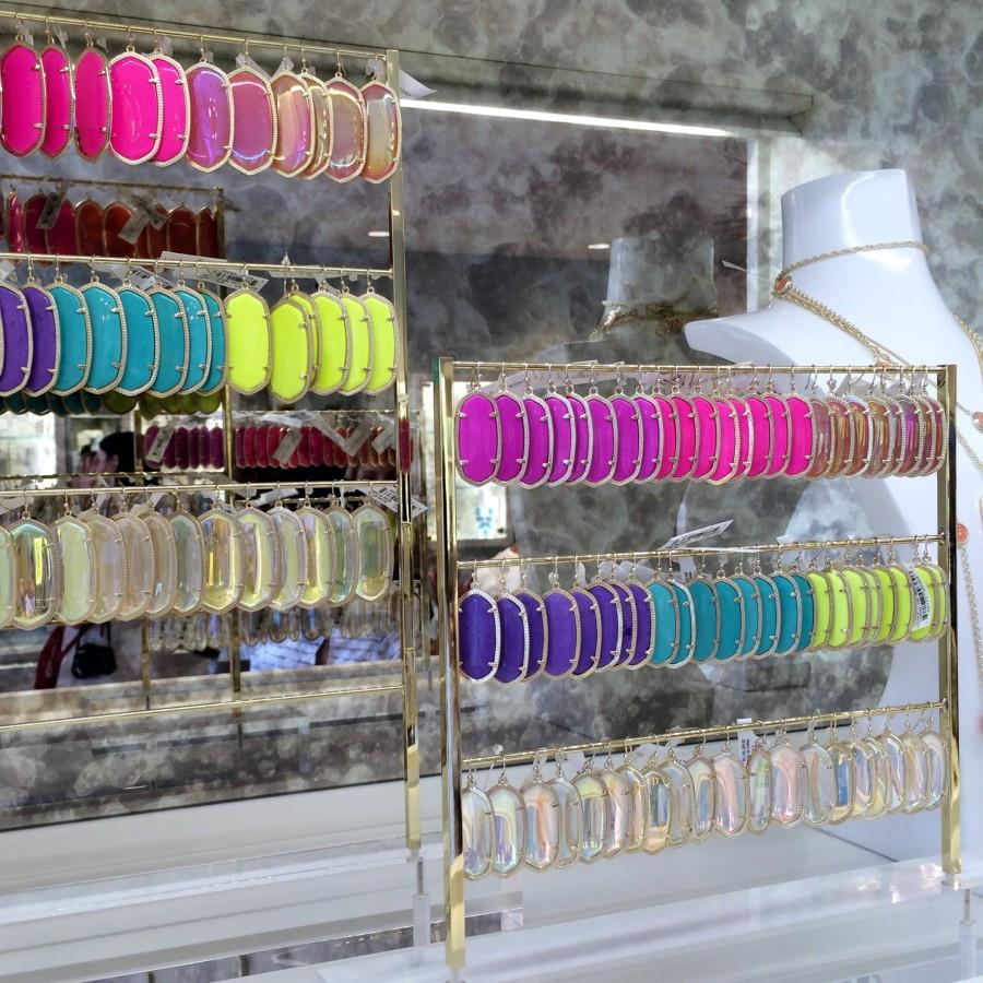 Kendra-Scott-Earrings-2-900x900.jpg