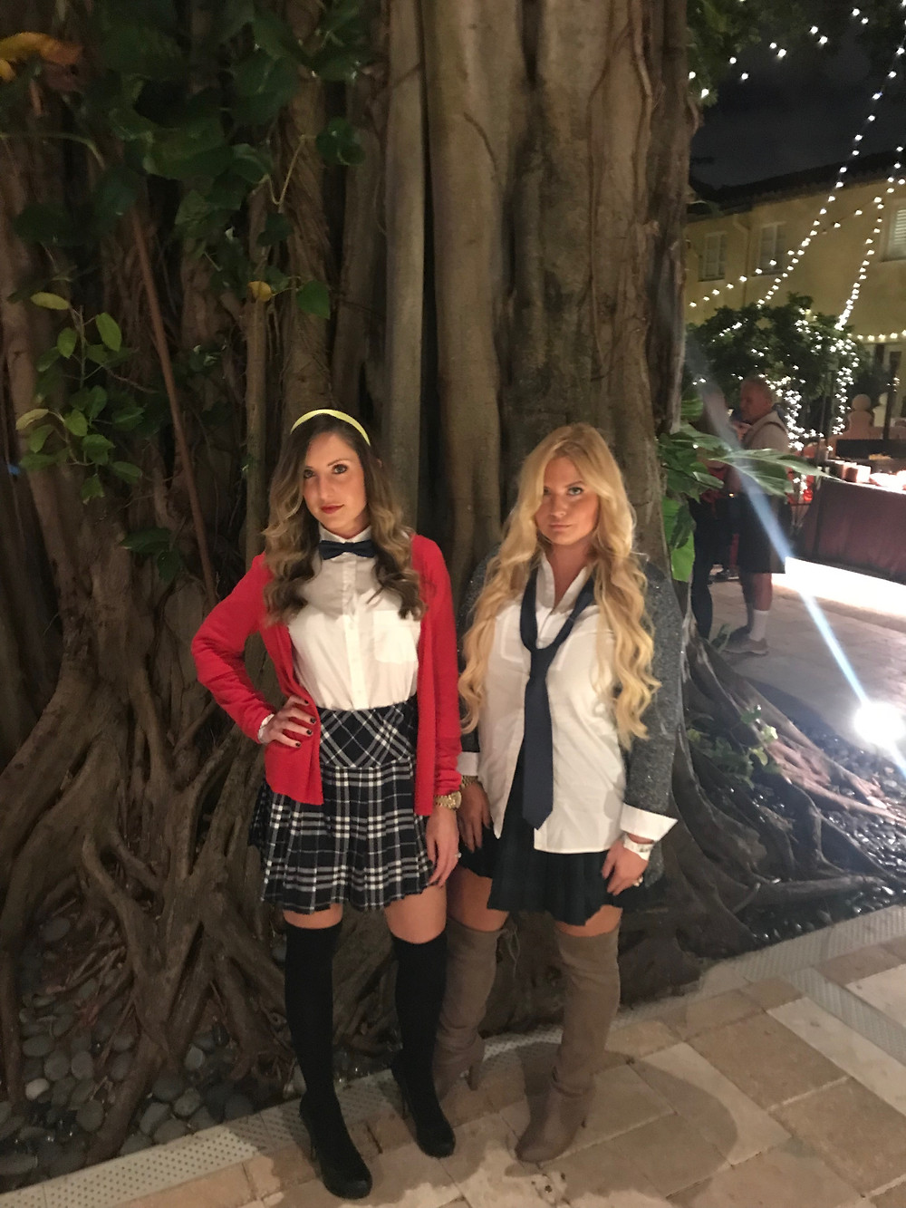Lindsey Swing & Lilly Robbins as Blair Waldorf & Serena Vanderwoodsen from Gossip Girl