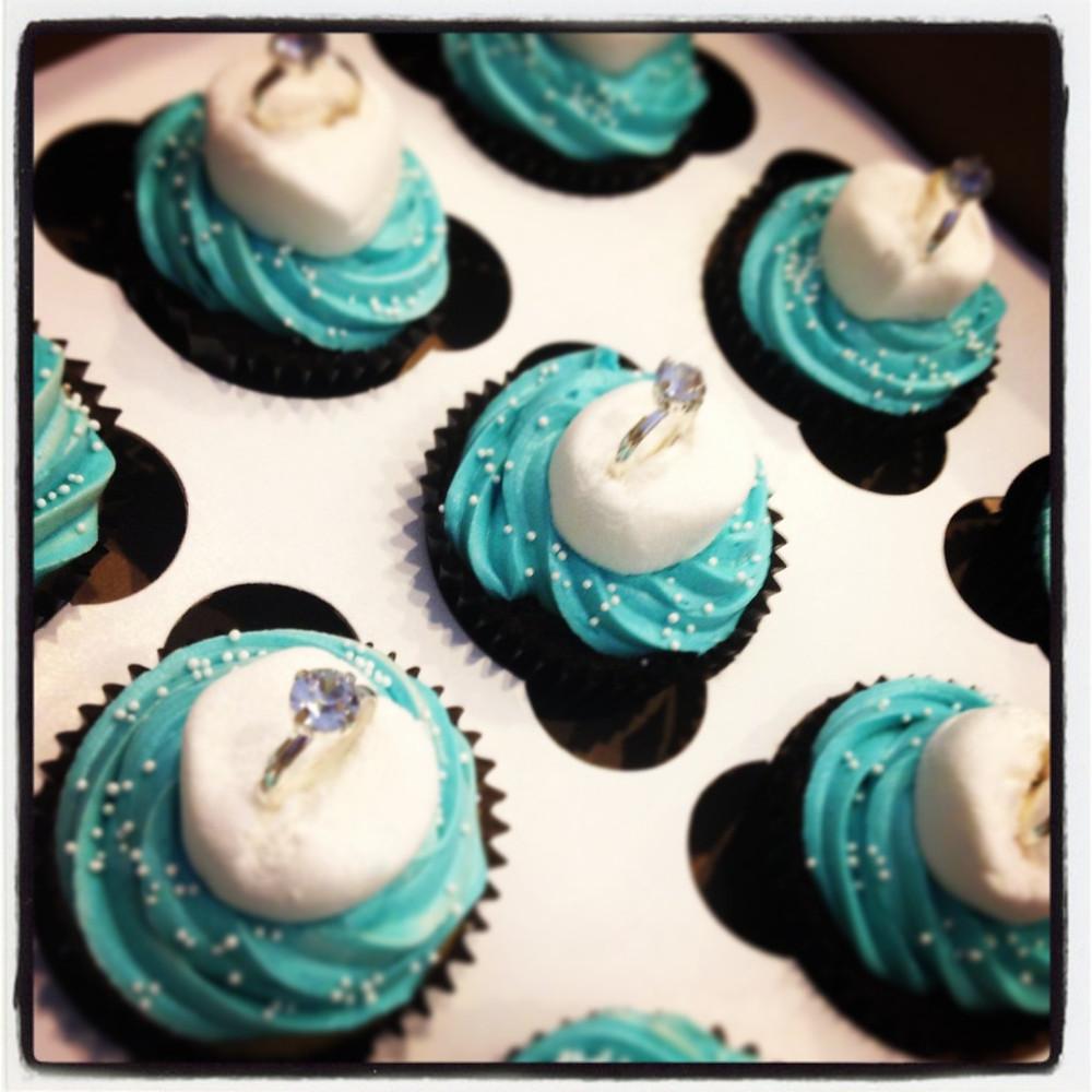 Deelishables - Engagement Cupcakes.jpg