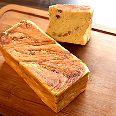 クリームチーズクルミ食パン