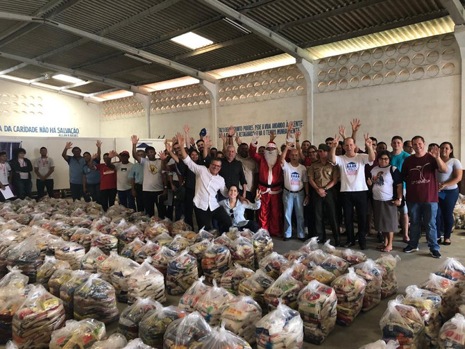 Carnatal Solidário beneficia 44 instituições e entrega 30 toneladas de alimentos