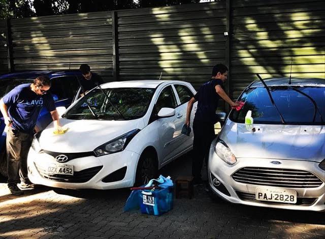Clientes Sal e Brasa têm 15% de desconto na primeira lavagem de carro pelo aplicativo Lavô