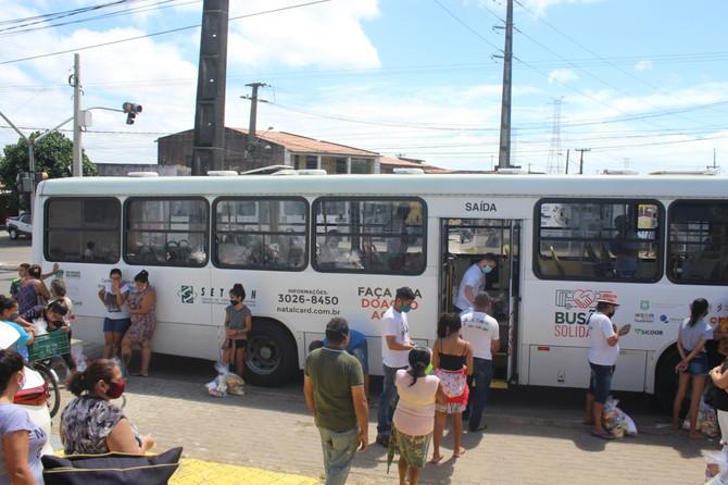 Busão Solidário do Seturn/NatalCard chega a 150 toneladas de alimentos doados em mais uma entrega na
