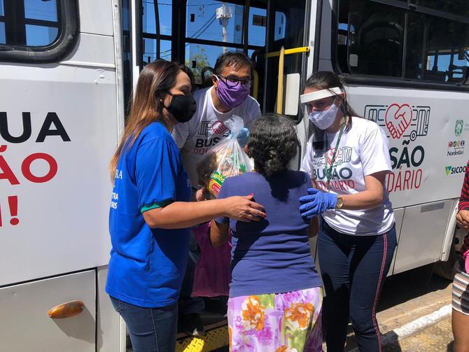 Projeto Busão Solidário do Seturn/NatalCard faz entregas de doações nos bairros da Redinha e Felipe