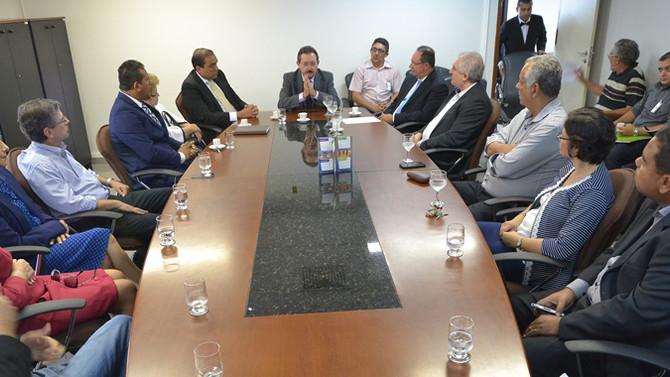 Ney Lopes Jr. sugere ao TCE/RN que edite cartilha de transparência para presidentes de Câmaras