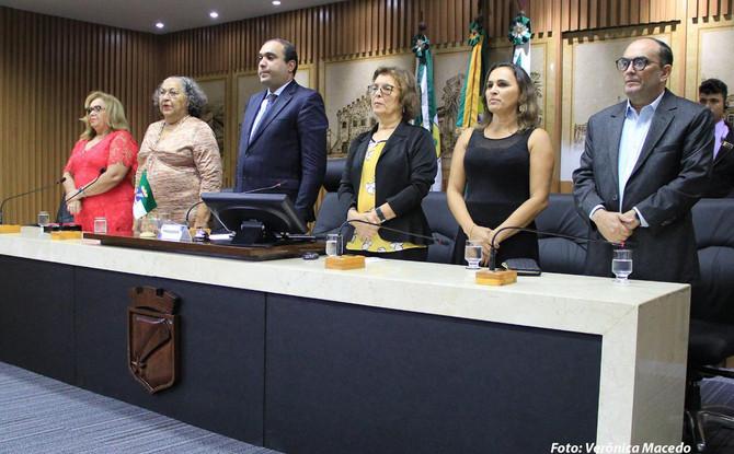 Vereador Ney Lopes Jr. homenageia artesãos em Sessão Solene na Câmara Municipal de Natal