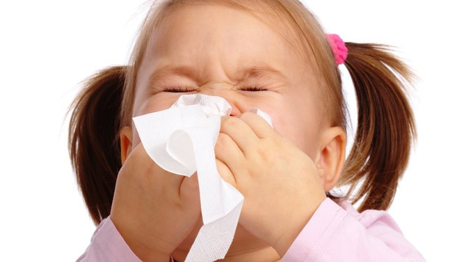 Período chuvoso aumenta casos de gripes e resfriados em crianças