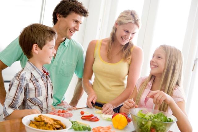 Nutricionista dá dicas para uma alimentação saudável nas férias