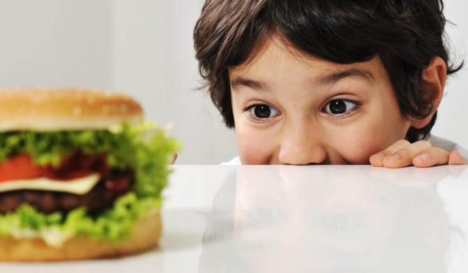 Compulsão alimentar infantil: como lidar na pandemia?