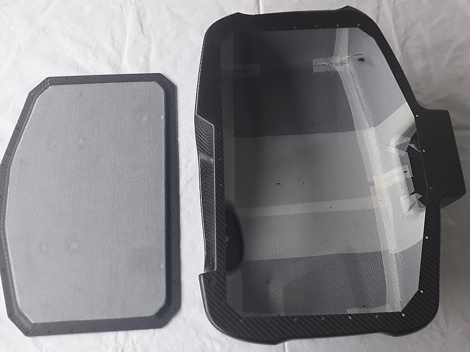 Carbon Dyneema casing