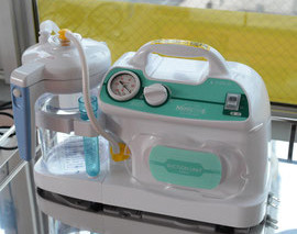 鼻汁吸引器