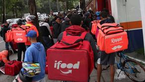 Lojas ficam lotadas de PEDIDOS e numero de ENTREGADORES esperando CHAMA ATENÇÃO!
