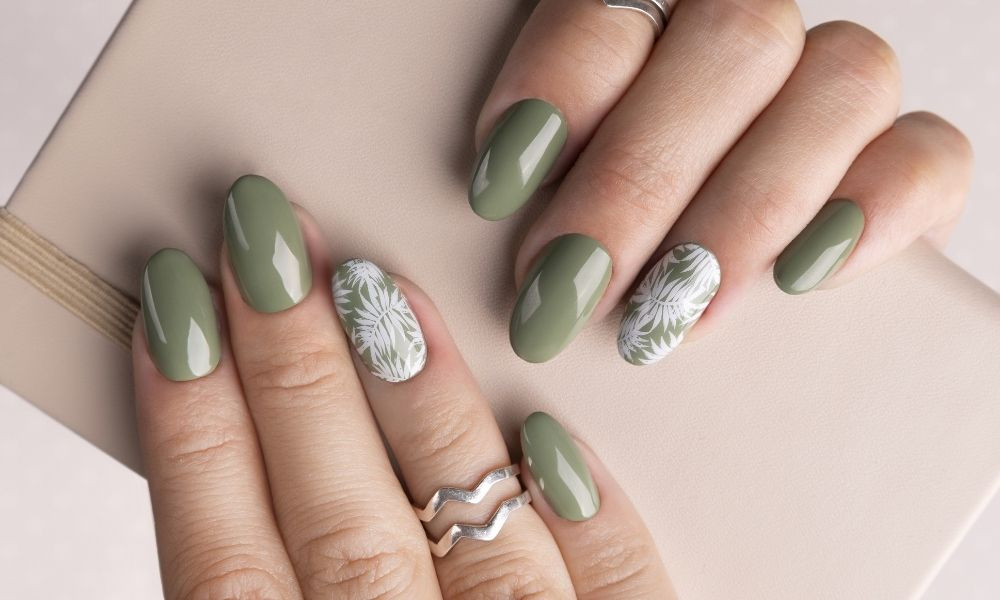 Top Tips for Making Your Manicure Last