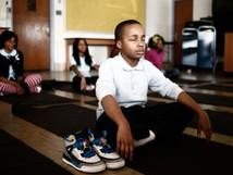 問題行動激減 マインドフルネス瞑想の威力