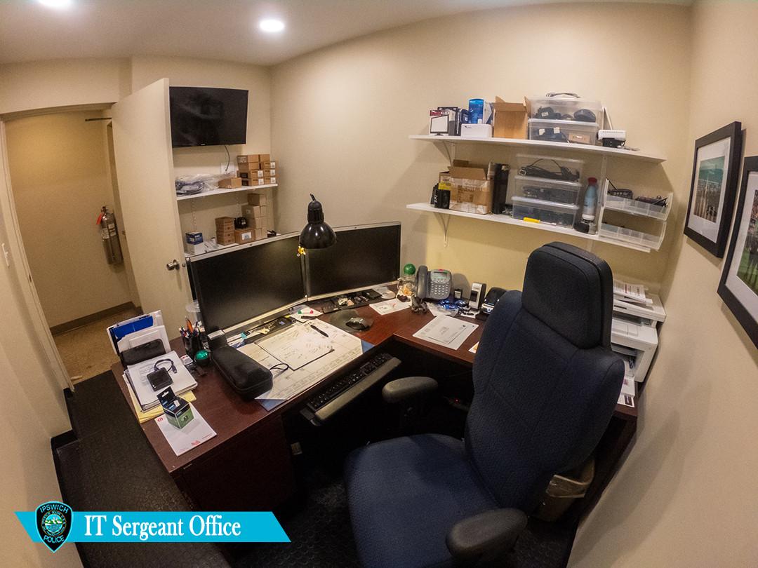IT Office.jpg