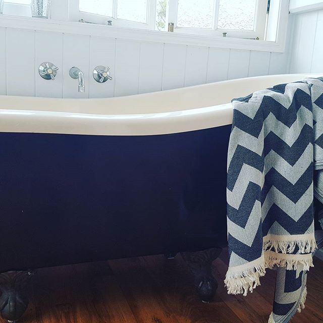 Bubble bath💧_#Turkish towel #bubblebath #zizzag #summshine #clawbath #bathtime #bathtowels