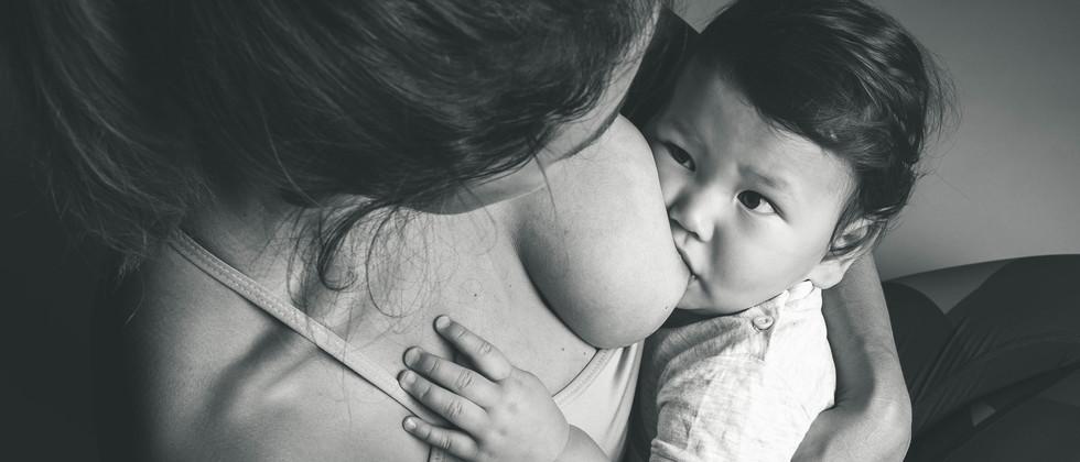 breastfeeding (1 of 1).jpg