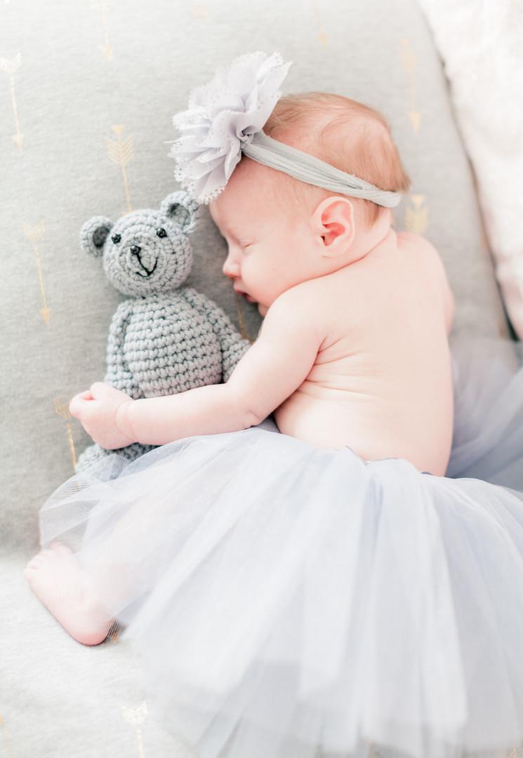 newborn baby, tulle skirt, bow