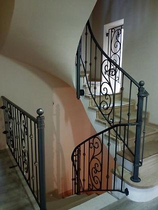 ограждение лестницы3_edited.jpg