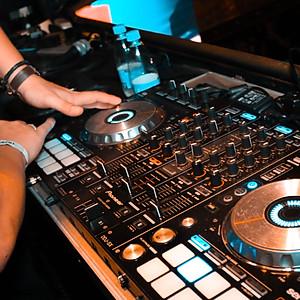 SUPRASUMO + DJ PEDRO HIAGO