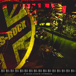 ROLLS ROCK