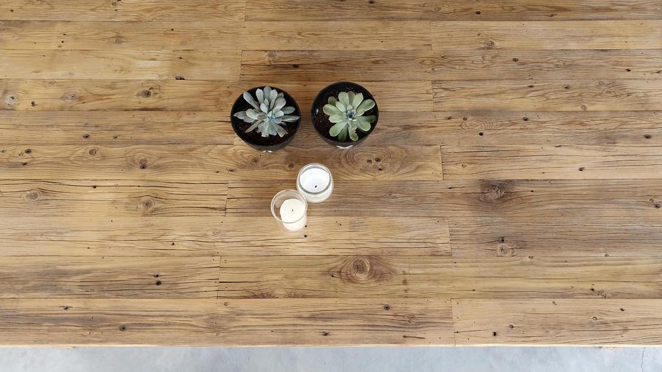 פלטה של שולחן אוכל