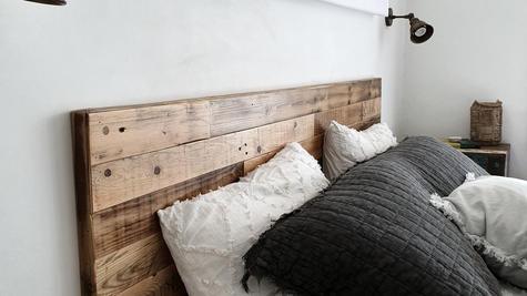 ראש מיטה צמוד קיר