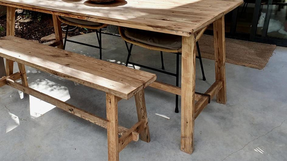 שולחן אוכל / רגל אלכסונית