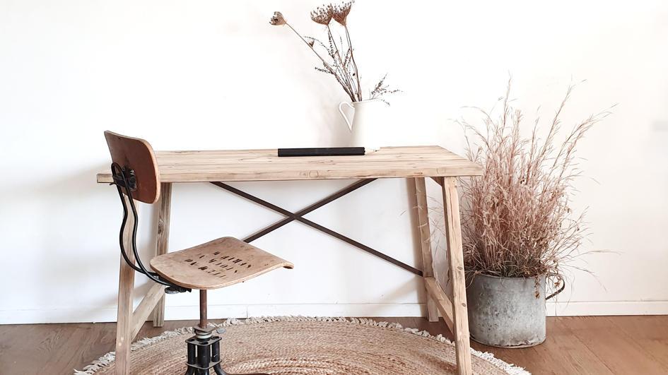 שולחן עבודה מעץ ממוחזר