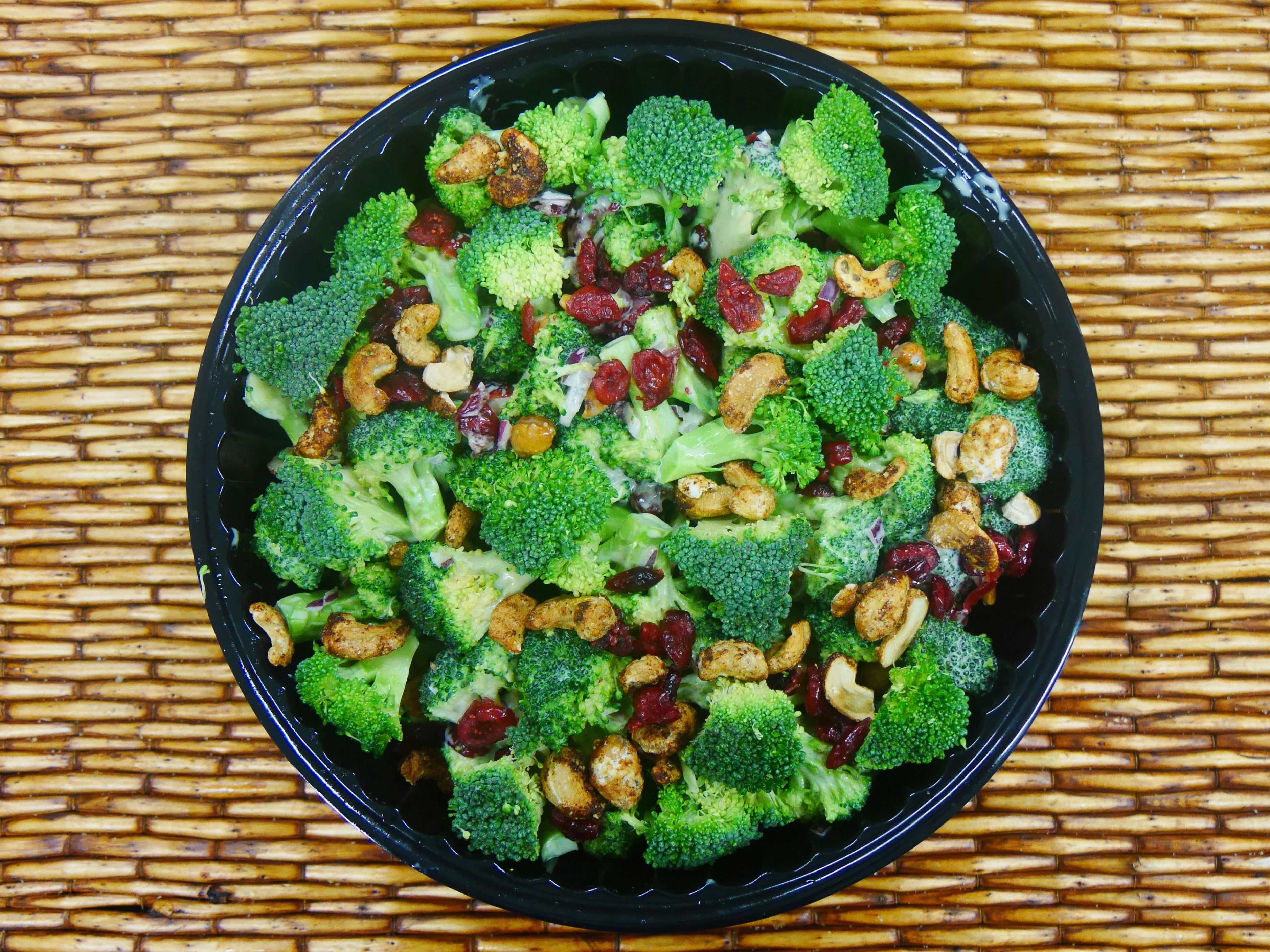 salad broccoli cranberry cashew