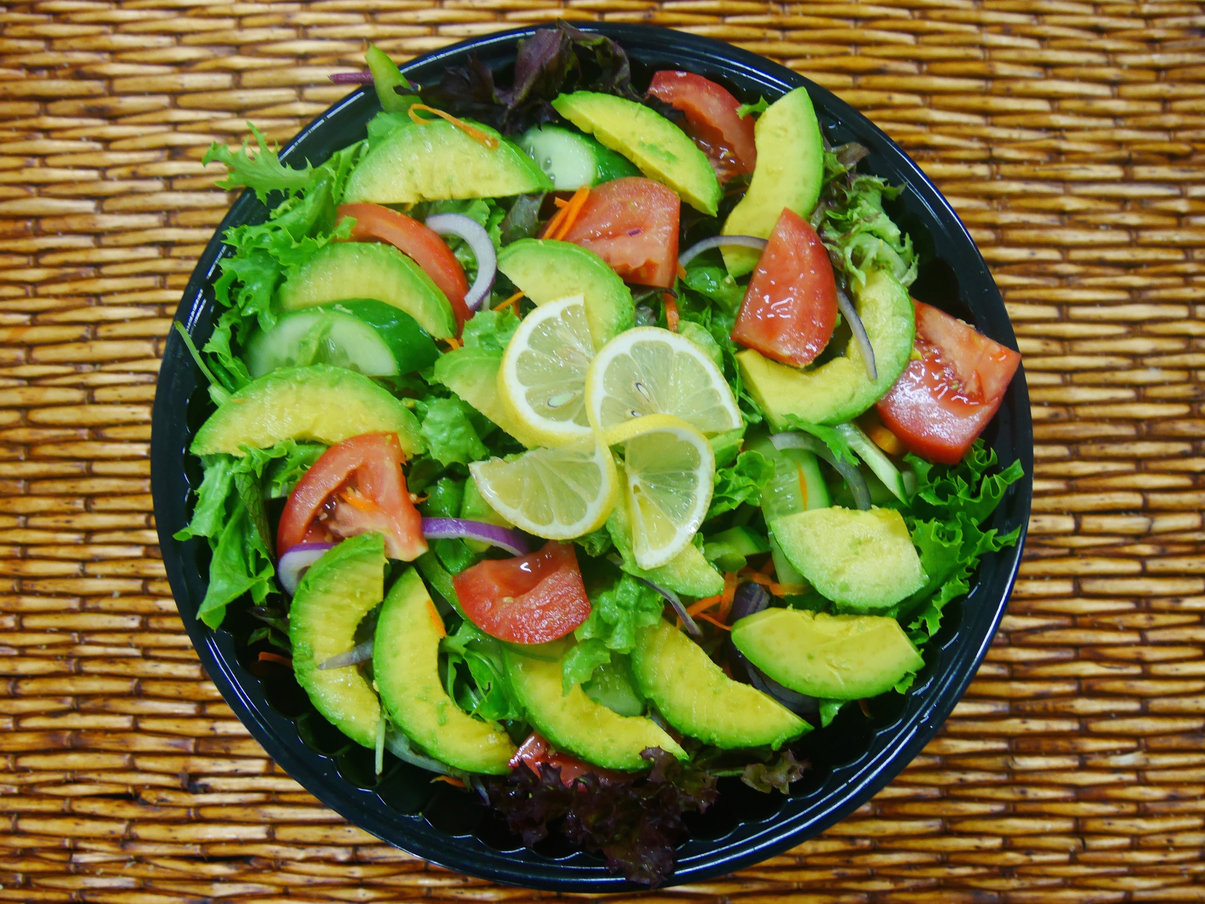 salad garden w avocado